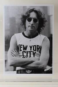 JOHN LENNON,1974 by Bob Gruen,  Art-Postcard  NEW