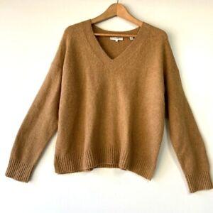 Vince women's tan knit cozy v-neck pullover cozy soft sweater size: Medium