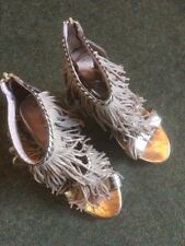 New Look Ladies High Heeled Tassle Shoe In Gold Size 7