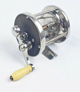 Nice 4 Brothers Pflueger 40 Yd Rubber Sided Casting Reel