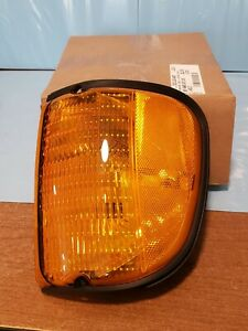 GENUINE FORD Driver's Side Parking Light With Bulb 5c2z13201aacp for E-150-E-450