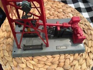 LIONEL 6-12848 Oil Derrick with BOX