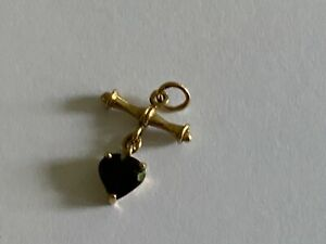 Stunning Ladies 9ct Yellow Gold Garnet Heart Anchor Style Pendant.