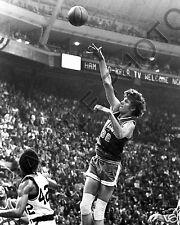BILL WALTON UCLA BRUINS HOOK SHOT 8 X 10 PHOTO