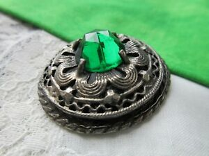 5689-d8 – Gay 90's Faceted Emerald Green Glass Set in Pierced White Metal 1890's