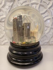 Chicago Saks Fifth Avenue Snow Globe Musical Retired Collectible Nice!