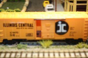 40'ILLINOIS CENTRAL R.R.  BOXCAR 1/87 HO RTR BUILT  BLUE Bachman?