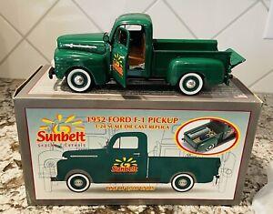 RARE Crown Premiums 1952 Ford Pickup for Sunbelt Snacks 1:24 NIB