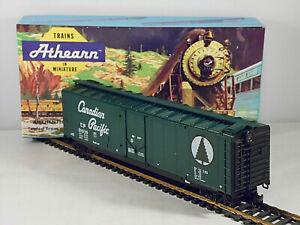 Athearn Canadian Pacific 50' Plug Door Box Car # CP 81039  HO Scale