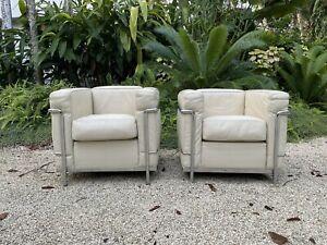 Le Corbusier Cassina LC2s - Beautiful Cream Leather