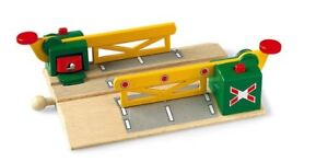 33750 Brio Magnetic Acton Railway Crossing  Wooden Railway  UK seller