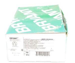 BOX OF 10 NEW BRYANT BRY8200I HOSPITAL GRADED DUPLEX RECEPTACLES 2-POLE
