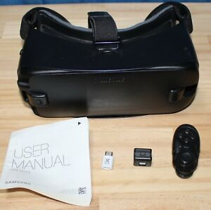 Samsung Gear VR - Powered by Oculus - Blue/Black - SM-R323 Bluetooth Controller