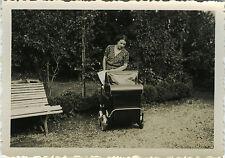 PHOTO ANCIENNE - VINTAGE SNAPSHOT - ENFANT MAMAN LANDAU MODE - MOTHER BABY 1938