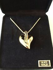 Beautiful 18k puffed heart leaf pendant chain necklace GORGEOUS