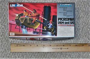 """Vintage Tomy 1/72 Lensman Picronia Dem and Sig """"Hoverbike"""" Model Kit"""