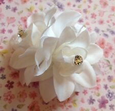 4cm WHITE DOUBLE FLOWER CORSAGE HAIR CLIP VINTAGE STYLE BRIDAL WEDDING HOLIDAY