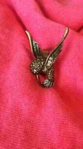 Bird Ring Ladies. Unique Kingfisher Design with Rhinestones. Adjustable Size.