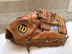 "Wilson USA A2000 1373 12.5"" Baseball Softball Glove Right Hand Throw"