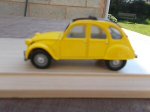 CC85701-CORGI 007 CITREON 2CV FROM 'FOR YOUR EYES ONLY'--USED/UNBOXED(DEFCOLLEC)