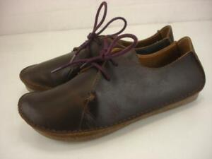 Women's 8.5 M Clarks Artisan Janey Mae Oxfords Shoes Beeswax Brown Leather Flats