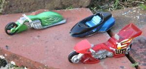 LOT 3 MATTEL HOT WHEELS 2003 / DRAGSTER MOTO CHOPPER - LEAN MACHINE MOTO TRIKE