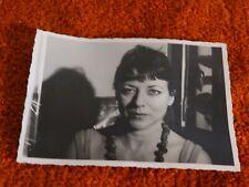 ancienne photo - femme au collier