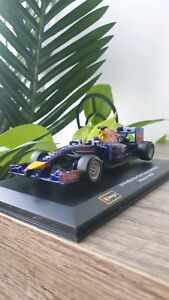 F1 Racing Car Red Bull Racing Die-Cast Brand New in Box 1:32