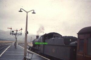 Original 35mm slide GWR 7828 ODNEY MANOR stands at Dovey Junction 1965