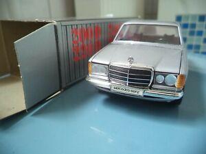 """1/35    Mercedes-Benz  200D-300D  in silber     """"Cursor"""""""