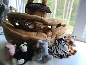 FAO Schwarz Noah's Ark Plush Boat w/ 6 animals stuffed animals