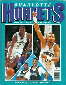1993-94 Charlotte Hornets Official Team Yearbook Alonzo Mourning & Larry Johnson