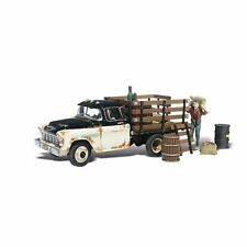 Woodland Scenics / AUTO SCENES 5335 - Henry's Haulin' - N Scale AS5335