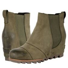 Sorel Lea Wedge sz 6 Peatmoss Green Waterproof Booties