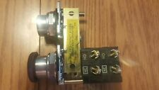 Eaton Cutler Hammer Maintained Push Button On/Off switch 10250T