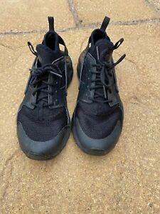 Nike Haraches, black, size UK 5, used - good condition