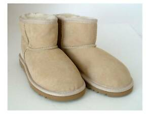 UGG AUSTRALIA CLASSIC MINI KIDS SIZE 13 SAND NEW W/O BOX AUTHENTIC FREE SHIP U.S