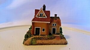 N Scale Resin English Style 2 Story House, Yellow Brick with Red Roof