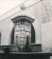 ANTIBES c. 1935 - Fontaine Alpes-Maritimes - Div 4285