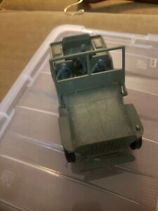 VTG 1960's ERA  Willys USP350 Jeep with Army MenGreen