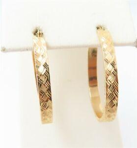 """10K Yellow Gold ~3.5MM Crisscross Etched Oval Hoop Earrings 1 1/8"""""""
