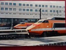 PHOTO  FRANCE TGV CLASS 33000 LOCO 33013 & 33014 AT PARIS GARE DE 14/2/85