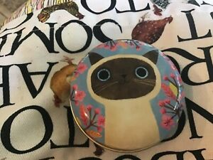 Planet Cat Round Tin , 6.5x3cms, Siamese Cat with Pink Blossom