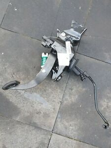 FORD MONDEO MK4   2.0 TDCI CLUTCH PEDAL  WITH  MASTER CYLINDER . 2010 TO 2014