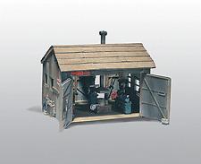 HO Woodland Scenics 240 Unpainted Metal kit * Trucker Brothers Machine Shop NIB
