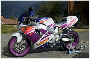 ***1994 YAMAHA YZF750 JUST 18,300 MILES IN GORGEOUS 90's LIVERY***
