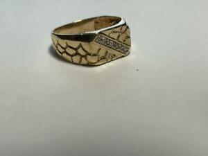 Men's 10K Solid Yellow Gold Nugget Diamond Pinky Ring Size 7-1/2 Estate Jewelry.