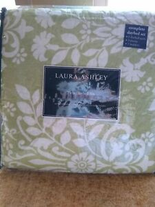 Laura Ashley Rowland 5 Piece Quilt Set for Twin/Daybed