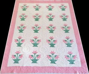 Antique 1920's Hand Stitched 7 spi Pink & Green Carolina Lily Quilt 90x75
