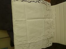 EMBROIDERED CROCHET  WHITE TABLE CLOTH /runer
